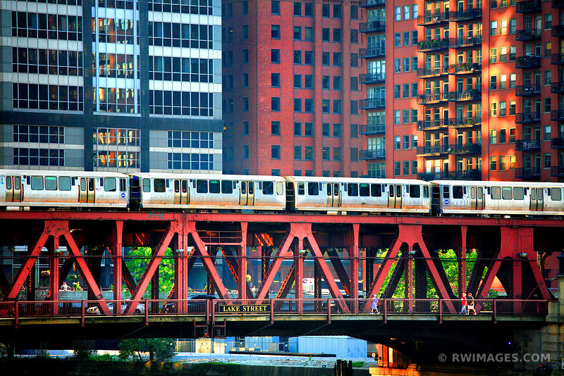 EL TRAIN ON LAKE STREET DRAW BRIDGE OVER CHICAGO RIVER DOWNTOWN CHICAGO ILLINOIS