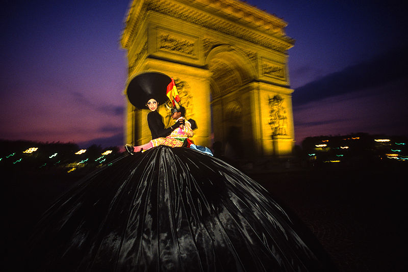 Paris, France (1989) - La danseuse de Jean-Paul Goude. Édition de 15 ex.