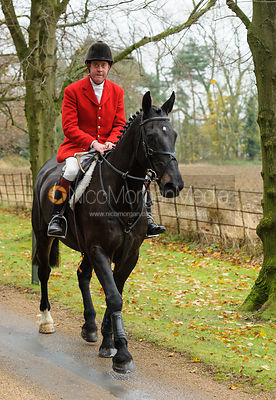 Followers arrive at the meet - The Belvoir Hunt at Scalford Hall 16-11-13