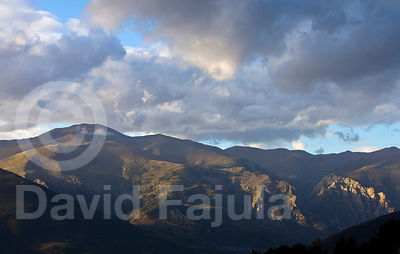 Afternoon lights on Puigmal's slopes
