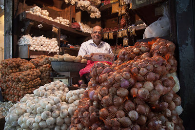 Onion seller in Crawford Market, Mumbai, India