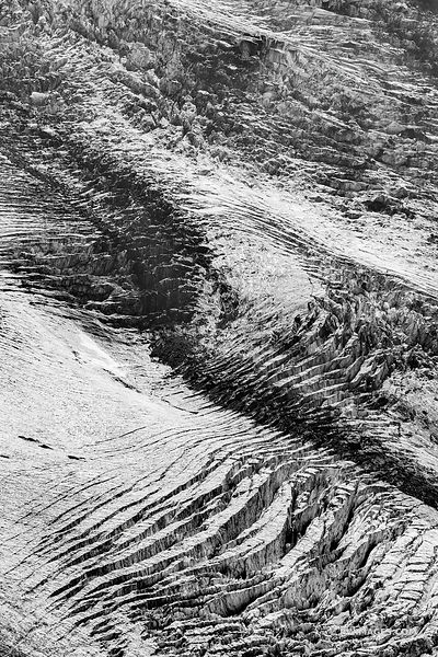 GLACIER CREVASSES BURROUGHS MOUNTAIN TRAIL SUNRISE AREA MOUNT RAINIER WASHINGTON BLACK AND WHITE VERTICAL