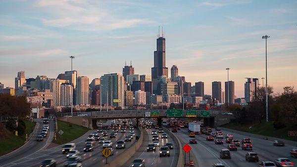 Wide Shot: Rush Hour, Pastel Clouds, & Sunset Over Chicago's Skyline (Day To Night)