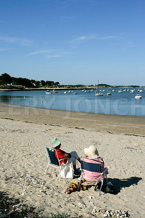 photo de la petite plage de Kervoyal