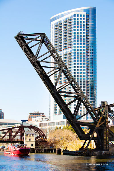 KINZIE BRIDGE DRAWBRIDGE CHICAGO RIVER CHICAGO ILLINOIS COLOR VERTICAL