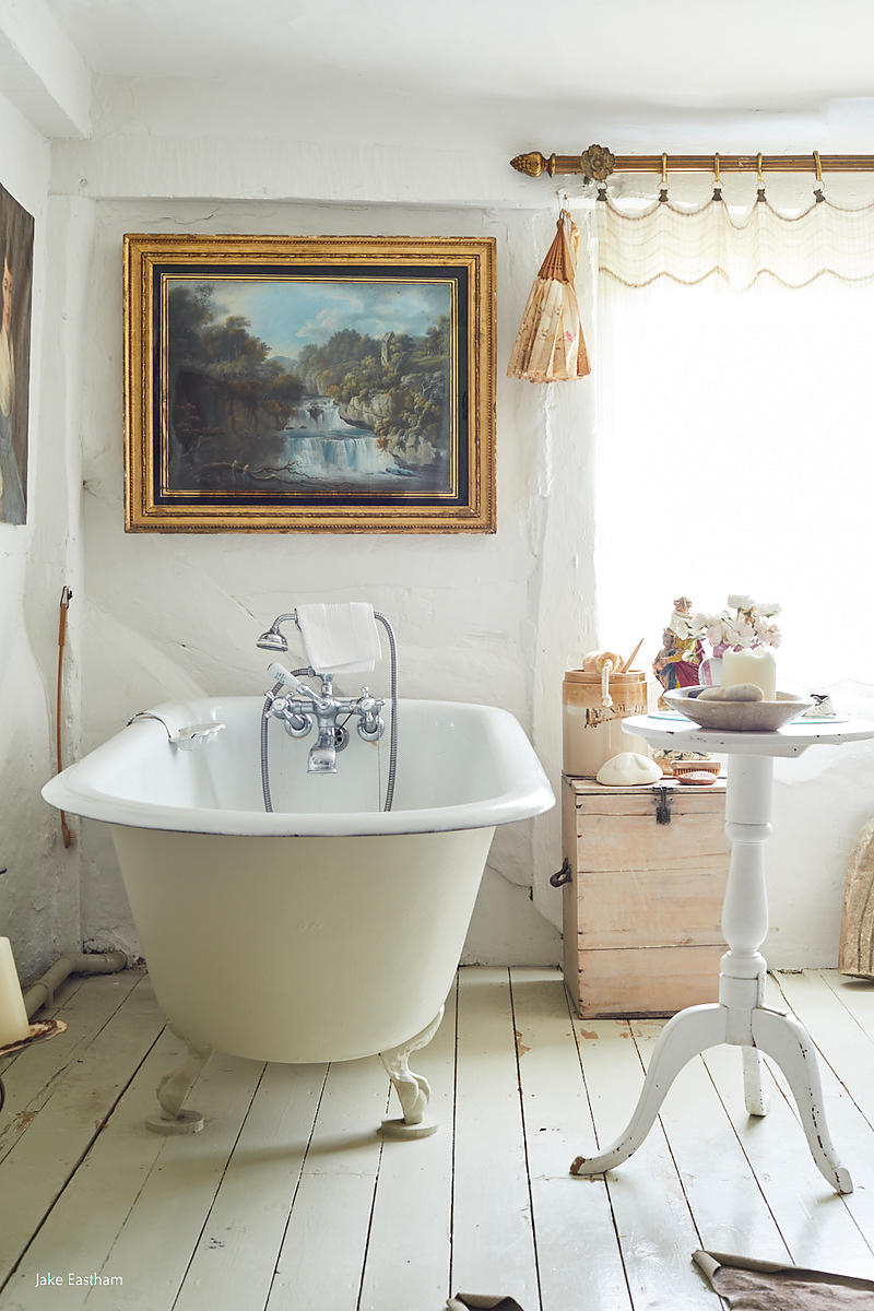 Harriet Anstruther, country house, country home, dogs, interiors, interior design, cottage, Sussex