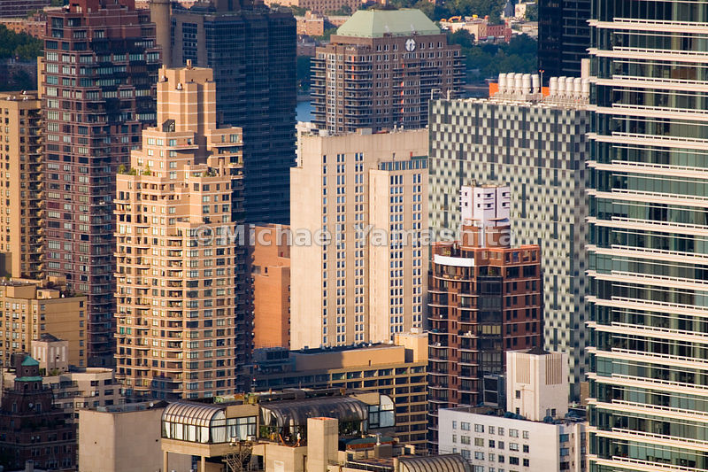 Upper East Side high-rise developers and tenants prize that elusive commodity: a room with with a view of the East River.  Ma...