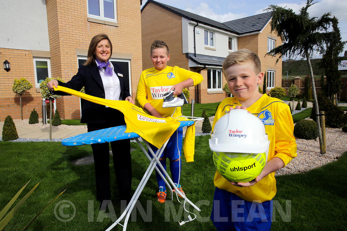 Taylor Wimpey Smithstone development, Croy..4.5.15.Cumbernauld Colts show off their new sponsored Taylor Wimpey strip at the ...