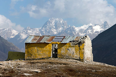 Abandoned building on Rohtang Pass (13,054 ft., 3,979 m), Manali, India