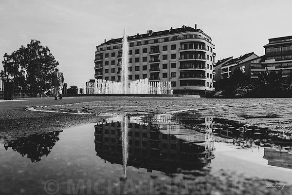 thonon_lac_leman_puddle_BNW_monsieur_senior
