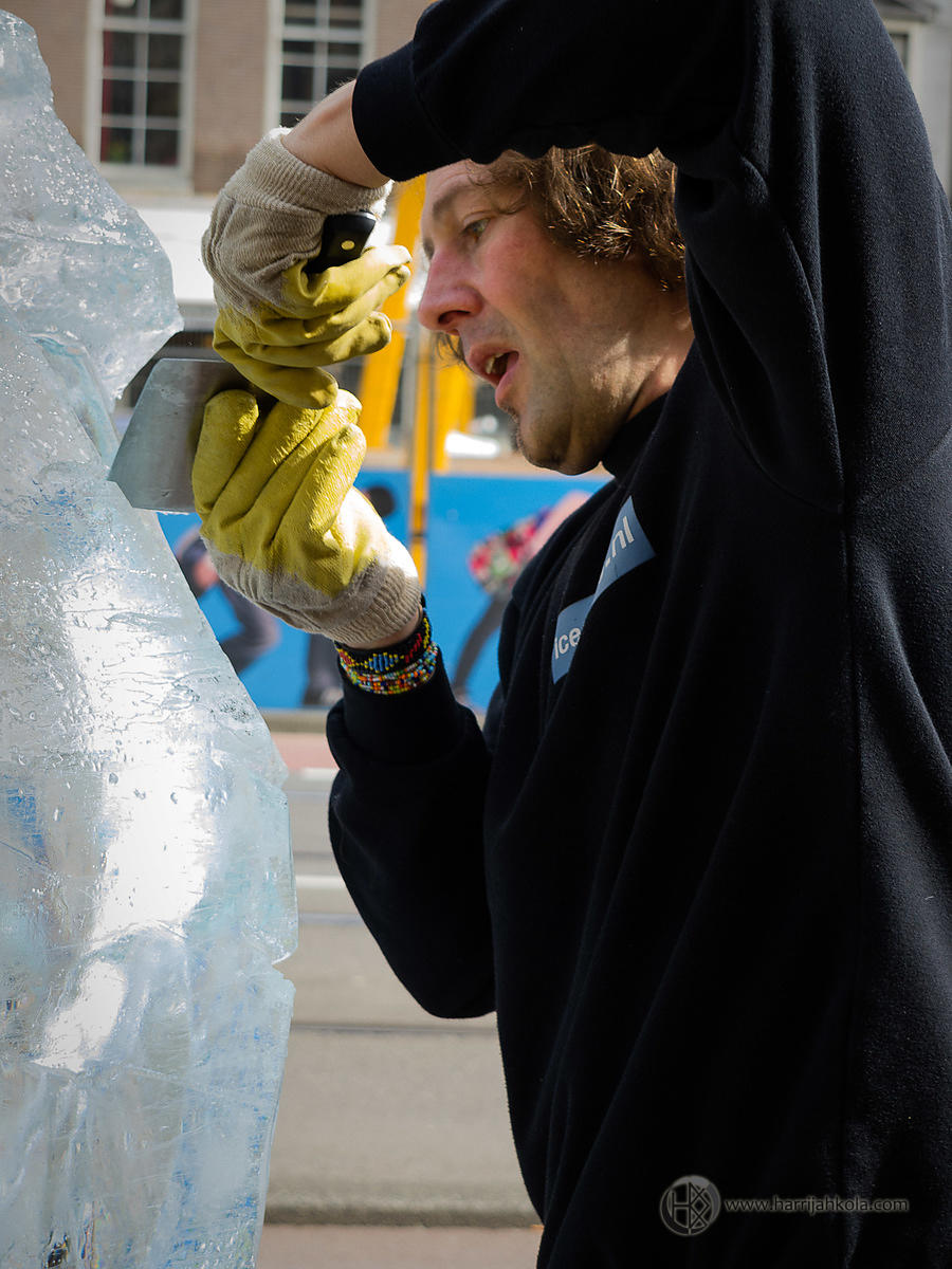 Netherlands - Amsterdam (Ice-Carving - Chiseling)