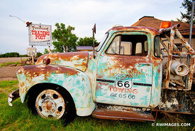 OLD TOW TRUCK CAR TUCUMCARI NEW MEXICO ROUTE 66