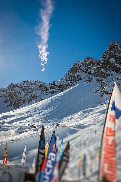 Antoine Montant infinit tumbling above Tignes Airwaves SuperPipe