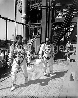 (1965) --- Astronauts John W. Young (left), pilot, and Virgil I. Grissom, command pilot, for the Gemini-Titan 3 flight, are s...