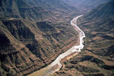 Blue Nile river in dry season, Ethiopia, 2003, Shifartak bridge