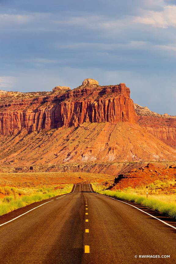 ROAD THROUGH THE NEEDLES DISTRICT CANYONLANDS NATIONAL PARK UTAH COLOR VERTICAL