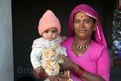 Woman and her granddaughter in Jaisalmer, Rajasthan, India