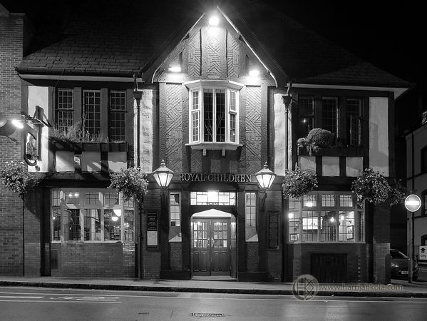 United Kingdom (Nottingham - Royal Children Pub At Night)