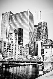 Black and White Picture of Chicago at LaSalle Bridge