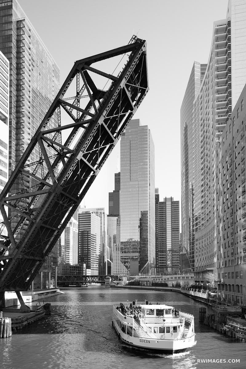 KINZIE BRIDGE CHICAGO RIVER DRAWBRIDGE BOAT CHICAGO ILLINOIS BLACK AND WHITE VERTICAL