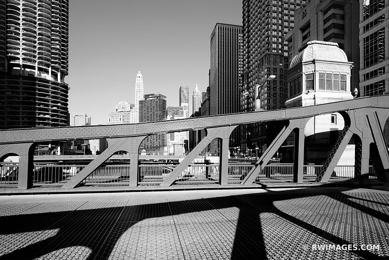 LA SALLE STREET BRIDGE DRAWBRIDGE CHICAGO ILLINOIS BLACK AND WHITE