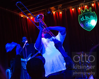 Glen David Andrews