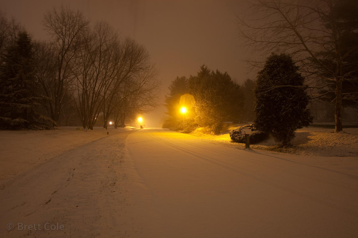 Nighttime view of snow in Gaithersburg, Maryland