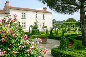 photo: le jardin du batiment