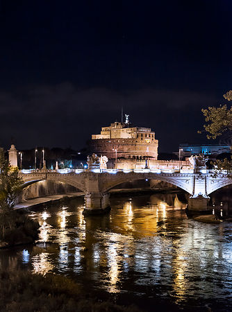 Castel Sant'Angelo at night.
