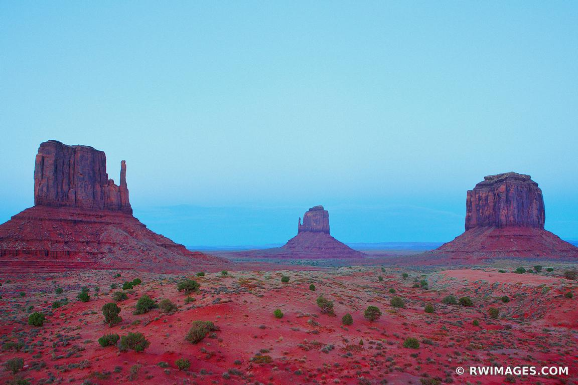 MONUMENT VALLEY NORTHERN ARIZONA COLOR
