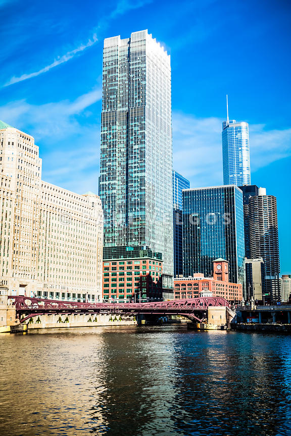 Picture of Chicago River Skyline at Franklin Bridge