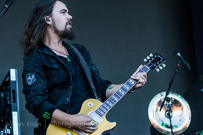jJoe Hottinger, guitar, Halestorm