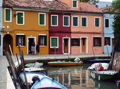 Italy_Venice_Burano_Women_talking