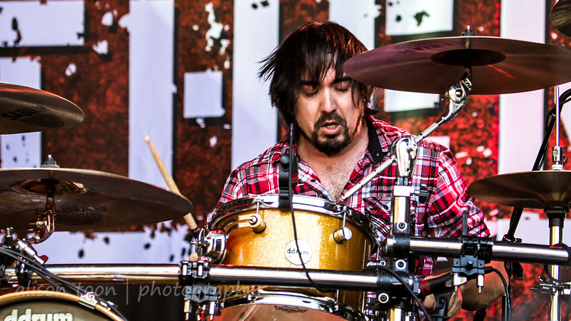 Corky Gainsford of Otherwise performing at Aftershock 2014
