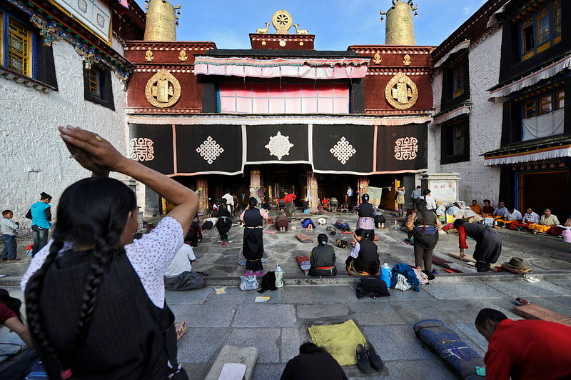 Jokhang entrance