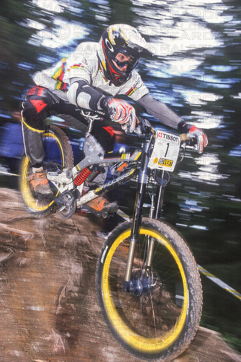 NICOLAS VOUILLOZ LES GETS, FRANCE. TISSOT MOUNTAIN BIKE WORLD CUP 2000