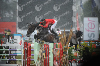 Jack Towell, (Usa) and LUCIFER V