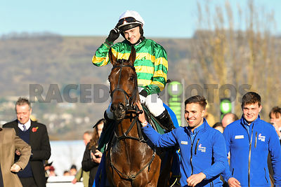 Palmers_Hill_winners_enclosure_18112018_(2)