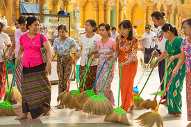 Cleaning Ladies in the Shwedagon