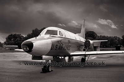 Fast 'taxi' from the Philippines | 13th Air Force VIP Sabreliner 10673  | RAF Changi December 1962