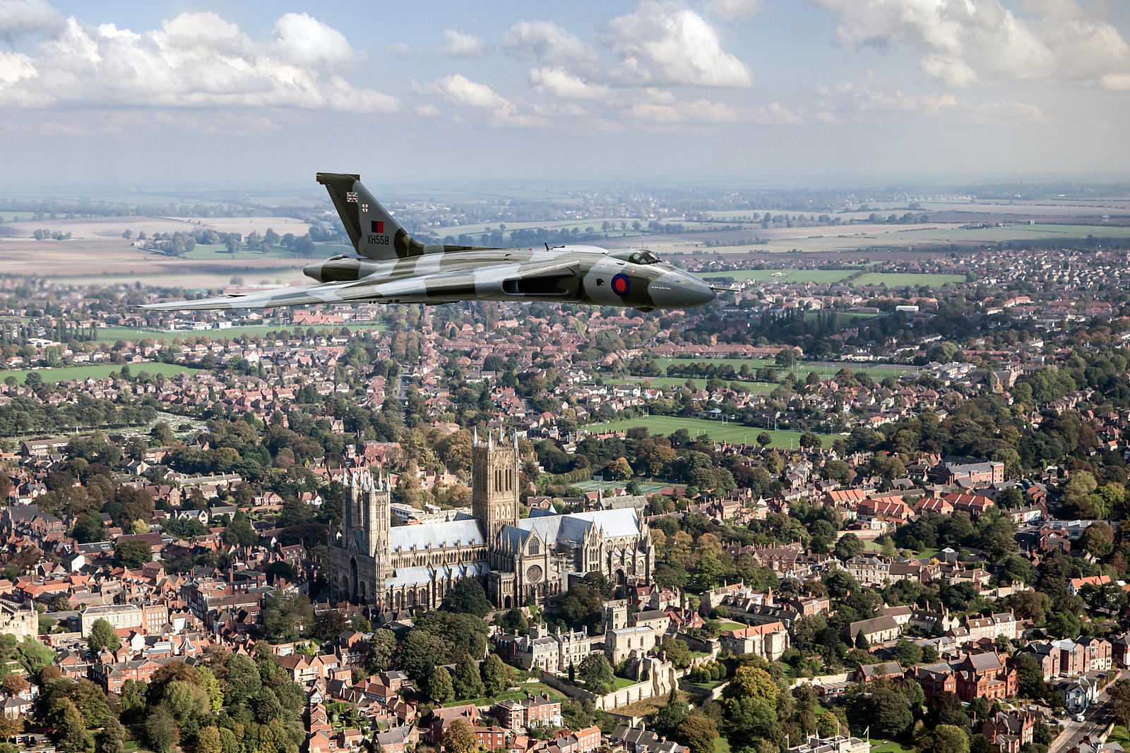 Avro Vulcan passing Lincoln Cathedral