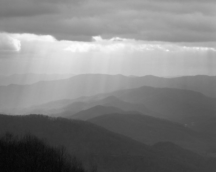 035-Blue_Ridge_D145204_Blue_Ridge_In_Early_Spring_-_Rays_Above_Mountains_001_Preview