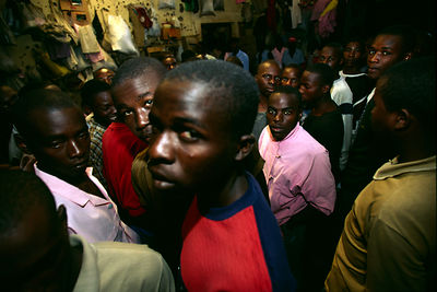 Rwanda - Kigali - Gitarama - Men in overcroded prison cells awaiting trial on genocide  charges charges