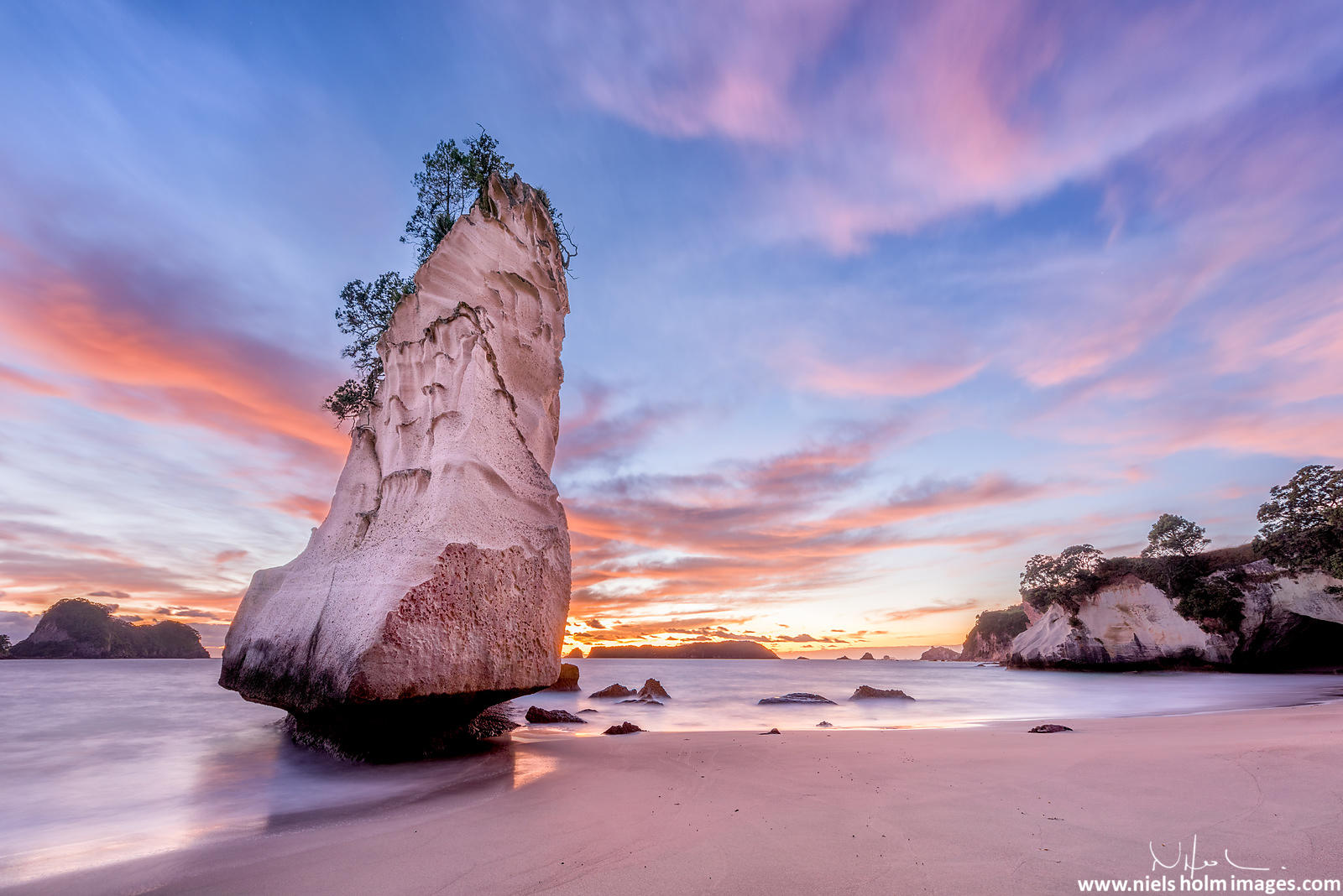 Cathedral Cove, Coromandel Peninsula – New Zealand
