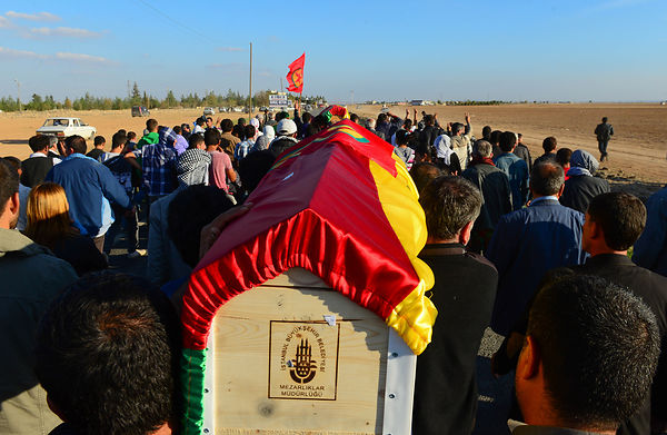 Funeral of Kurdish fighters, killed in the fighting with the Islamic State in Kobani. Funérailles de combattants kurdes, tués...