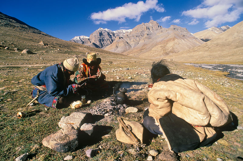 Pilgrims making tea  on the trail