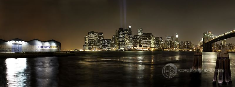 USA_-_New_York_-_New_York_City_(Manhattan_Nighttime_Skyline_from_Brooklyn_Heights_Panorama_I)