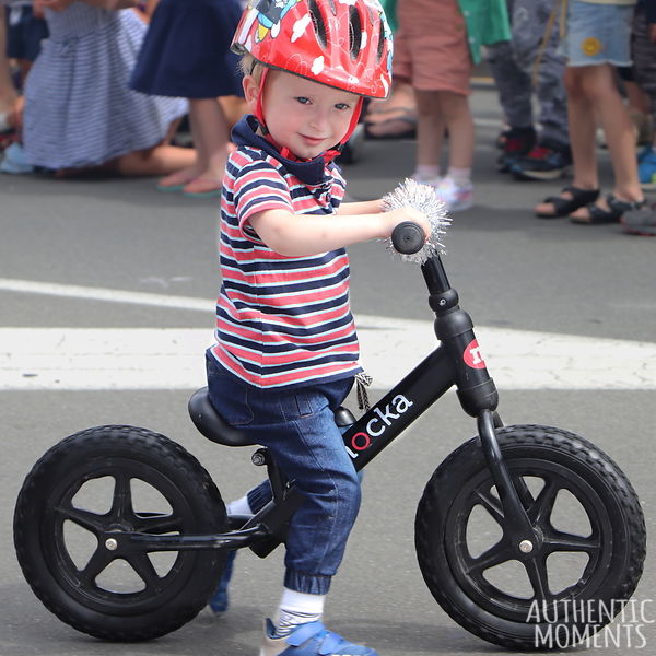 10_Kid_on_Bike