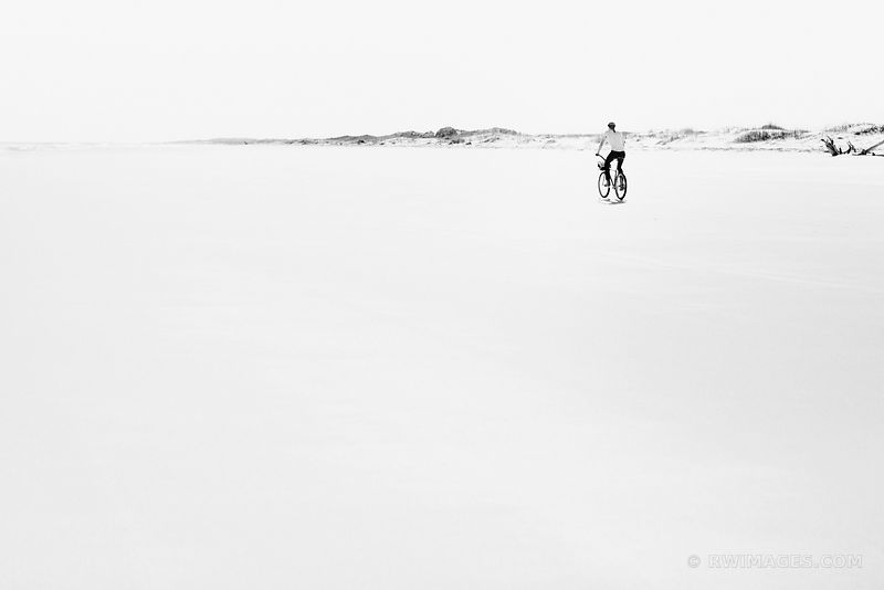 CUMBERLAND ISLAND BEACH BLACK AND WHITE
