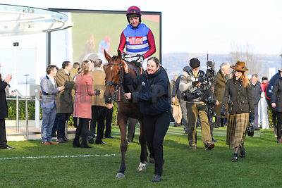 The_Worlds_End_winners_enclosure_14122018-1